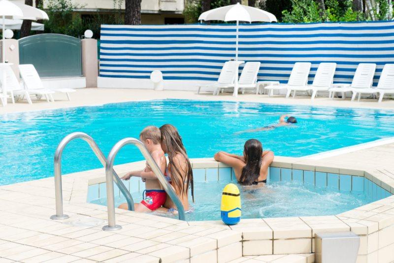 Offerte luglio hotel con piscina Tagliata di Cervia